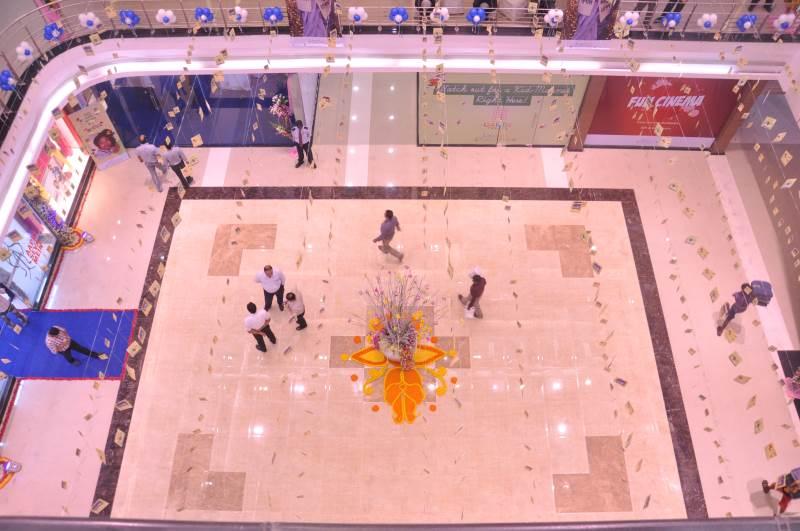Lake Mall Opening