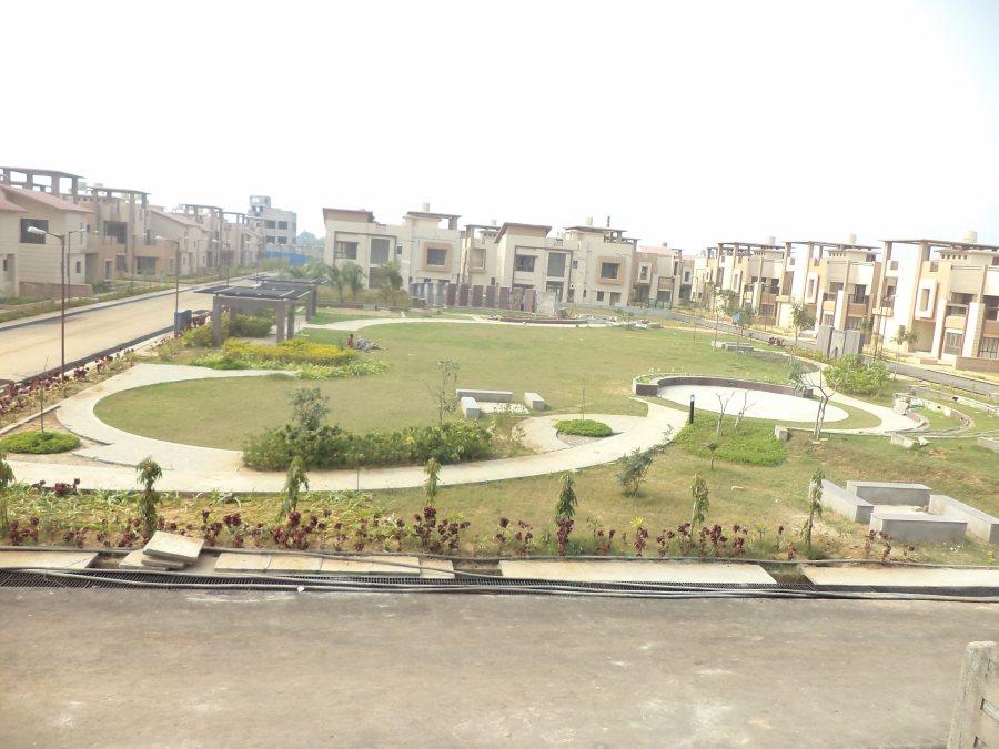Central Landscape And Garden Drury : Central landscape