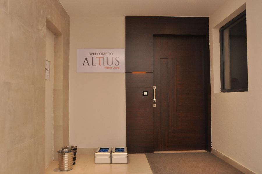 ALTIUS MODEL FLAT LAUNCH